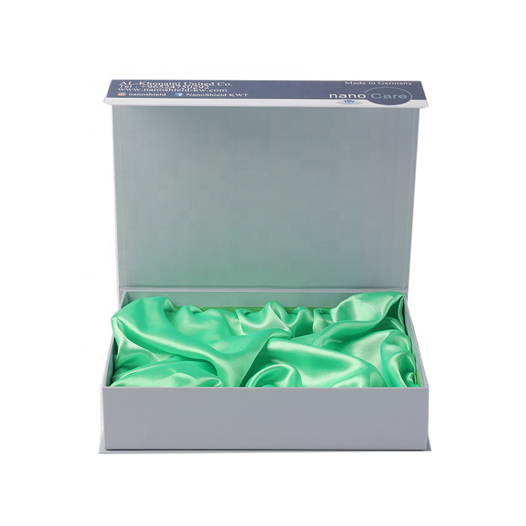 Luxury Wholesale Personalised Magnetic Gift Box with Green Silk Holder