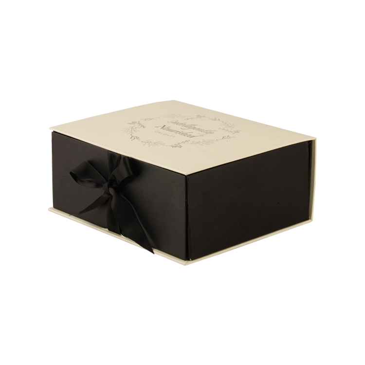 China Factory Folding Magnetic Gift Packaging Paper Box with Silk Ribbon and Gold Hot Stamped Logo for Dessert Kits